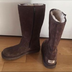 Ugg Boots size 9 dark brown